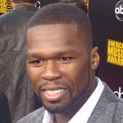 50 Cent - Bildurheber: Von Keith HInkle - originally posted to Flickr as Val Kilmer and 50 Cent, CC BY 2.0, https://commons.wikimedia.org/w/index.php?curid=8844930