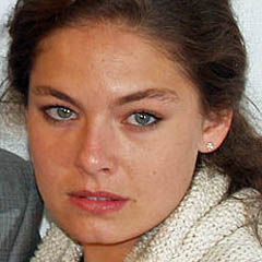 Alexa Davalos - Bildurheber: By David Shankbone - [1], CC BY-SA 3.0, https://commons.wikimedia.org/w/index.php?curid=5252111