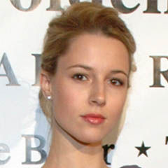 Alona Tal - Bildurheber: Von Ilya Haykinson - Photographed by Ilya Haykinson, image level adjustment by Nick Moreau., CC BY-SA 3.0, https://commons.wikimedia.org/w/index.php?curid=6047380