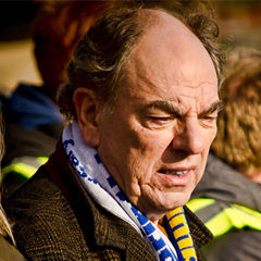 Alun Armstrong - Bildurheber: Von Garry Knight - Flickr: Alun Armstrong, CC BY-SA 2.0, https://commons.wikimedia.org/w/index.php?curid=18447634