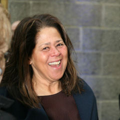 Anna Deavere Smith - Bildurheber: Von Cliff from I now live in Arlington, VA (Outside Washington DC), USA - Anna Deavere Smith, CC BY 2.0, https://commons.wikimedia.org/w/index.php?curid=7139105