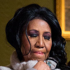 Aretha Franklin - Bildurheber: Von Pete Souza - Cropped from File:Aretha Franklin, The Gospel Tradition In Performance at the White House, 2015.jpg, Gemeinfrei, https://commons.wikimedia.org/w/index.php?curid=46020193