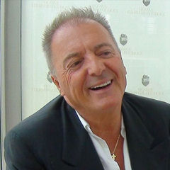 Armand Assante - Bildurheber: Von Za misli, http://za-misli.si/ - Armand Assante - intervju, CC BY 3.0, https://commons.wikimedia.org/w/index.php?curid=46919124