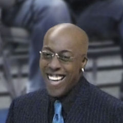 Arsenio Hall - Bildurheber: Von Bob n' Renee - Harlem Globetrotters Show, CC BY 2.0, https://commons.wikimedia.org/w/index.php?curid=4149035
