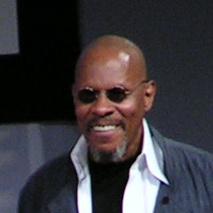 Avery Brooks - Bildurheber: Von Benjamin Krahl - own work/photo, Gemeinfrei, https://commons.wikimedia.org/w/index.php?curid=2940756