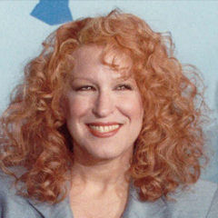 Bette Midler - Bildurheber: Von photo by Alan Light, CC BY 2.0, https://commons.wikimedia.org/w/index.php?curid=2542877