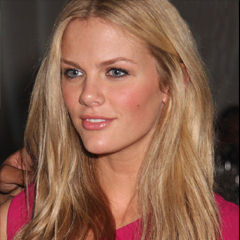 Brooklyn Decker - Bildurheber: Von Porter Hovey, CC BY-SA 3.0, https://commons.wikimedia.org/w/index.php?curid=7874095