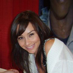 Danielle Harris - Bildurheber: Von derivative work: Bongwarrior (talk)TN_Pics_006.jpg: Greybackfenrir - TN_Pics_006.jpg, Gemeinfrei, https://commons.wikimedia.org/w/index.php?curid=4318952