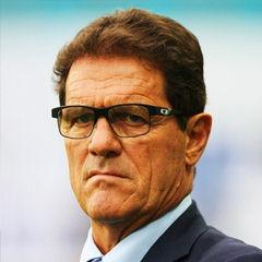 Fabio Capello - Bildurheber: Von Дмитрий Садовников - soccer.ru, CC BY-SA 3.0, https://commons.wikimedia.org/w/index.php?curid=35216197