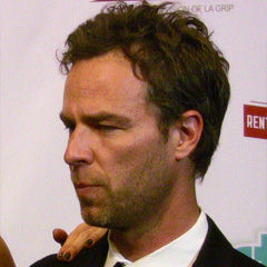 JR Bourne - Bildurheber: Von Mingle MediaTV - Flickr: Chyler Leigh & JR Bourne IMG_3099, CC BY-SA 2.0, https://commons.wikimedia.org/w/index.php?curid=22448147