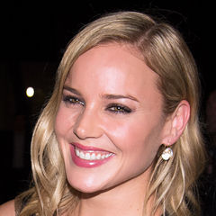 Abbie Cornish - Bildurheber: Von gdcgraphics - Abbie Cornish, CC BY-SA 2.0, https://commons.wikimedia.org/w/index.php?curid=23631635