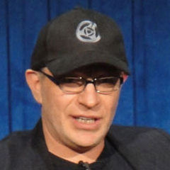 Akiva Goldsman - Bildurheber: Von PopCultureGeek.com - cropped from http://www.flickr.com/photos/popculturegeek/5741152585/in/set-72157626767745070, CC BY 2.0, https://commons.wikimedia.org/w/index.php?curid=18333879