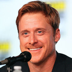 Alan Tudyk - Bildurheber: Von Gage Skidmore, CC BY-SA 3.0, https://commons.wikimedia.org/w/index.php?curid=20322988