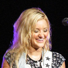 Amanda Michalka - Bildurheber: Von Original uploader was 22ocean at en.wikipedia - Transferred from en.wikipedia, CC BY-SA 3.0, https://commons.wikimedia.org/w/index.php?curid=3607280