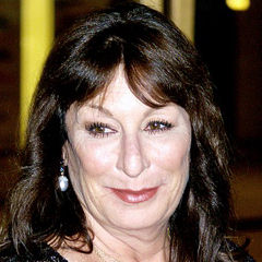 Anjelica Huston - Bildurheber: Von David Shankbone - Eigenes Werk, CC BY 3.0, https://commons.wikimedia.org/w/index.php?curid=11627739