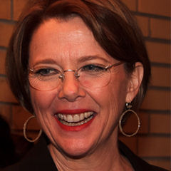Annette Bening - Bildurheber: Von gdcgraphics - http://www.flickr.com/photos/gdcgraphics/10404383974/, CC BY-SA 2.0, https://commons.wikimedia.org/w/index.php?curid=31106454