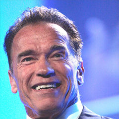 Arnold Schwarzenegger - Bildurheber: Von Eva Rinaldi - http://www.flickr.com/photos/evarinaldiphotography/9031269705/, CC BY-SA 2.0, https://commons.wikimedia.org/w/index.php?curid=26631495