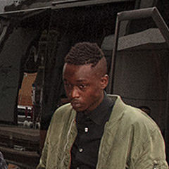 Ashton Sanders - Bildurheber: Von Gordon Correll - Barry Jenkins with Andre Holland and Ashton Sanders, CC BY-SA 2.0, https://commons.wikimedia.org/w/index.php?curid=56662502