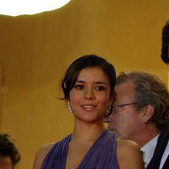 Catalina Sandino Moreno - Bildurheber: Von étienne ANDRé - Cropped from Commons image at file:2008-05-21 équipe du film Che.jpg, sourced from œuvre personnelle, CC BY 3.0, https://commons.wikimedia.org/w/index.php?curid=6959432