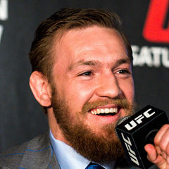 Conor McGregor - Bildurheber: Von Andrius Petrucenia - UFC 189 World Tour Aldo vs. McGregor London 2015, CC BY-SA 2.0, https://commons.wikimedia.org/w/index.php?curid=42073993