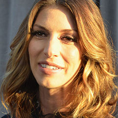 Dawn Olivieri - Bildurheber: Von http://www.flickr.com/photos/minglemediatv - http://www.flickr.com/photos/minglemediatv/6830517918/in/photostream, CC BY-SA 2.0, https://commons.wikimedia.org/w/index.php?curid=20416703