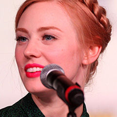 Deborah Ann Woll - Bildurheber: Von flickr user Gage Skidmore - http://www.flickr.com/photos/gageskidmore/7605735018/, CC BY-SA 2.0, https://commons.wikimedia.org/w/index.php?curid=20365254