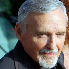 Dennis Hopper - Bildurheber: Von Georges Biard, CC BY-SA 3.0, https://commons.wikimedia.org/w/index.php?curid=14299816