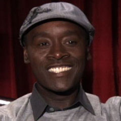 Don Cheadle - Bildurheber: Von Made In Hollywood from Hollywood, CA, United States - Don Cheadle at his Brooklyn's Finest Interview, CC BY 2.0, https://commons.wikimedia.org/w/index.php?curid=11915301
