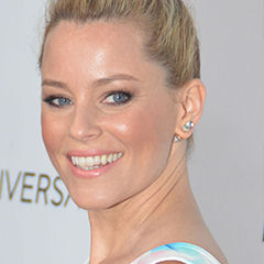 Elizabeth Banks - Bildurheber: Von Mingle Media TV - https://www.flickr.com/photos/minglemediatv/15226259087/, CC BY-SA 2.0, https://commons.wikimedia.org/w/index.php?curid=36886745