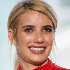 Emma Roberts - Bildurheber: Von dominick D - https://www.flickr.com/photos/idominick/28804969655/in/album-72157672081670785/, CC BY-SA 2.0, https://commons.wikimedia.org/w/index.php?curid=57037307