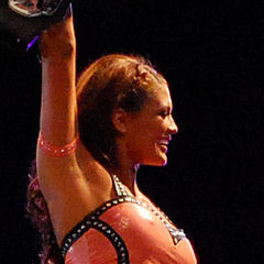 Eve Torres - Bildurheber: Von Pablo Contreras - Flickr: WWE en Chile: Road to Wrestlemania Tour 2011, CC BY-SA 2.0, https://commons.wikimedia.org/w/index.php?curid=14457054