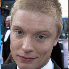 Freddie Fox - Bildurheber: Von Ibsan73 - Freddie Fox at the Tv Baftas 2015, CC BY 2.0, https://commons.wikimedia.org/w/index.php?curid=40278967