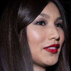 Gemma Chan - Bildurheber: Von Ibsan73 - https://www.flickr.com/photos/63465486@N07/15373237113/, CC BY 2.0, https://commons.wikimedia.org/w/index.php?curid=37620981