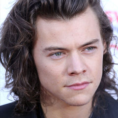 Harry Styles - Bildurheber: Von Eva Rinaldi - One Direction, CC BY-SA 2.0, https://commons.wikimedia.org/w/index.php?curid=36992586
