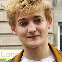 Jack Gleeson - Bildurheber: Von Verónica Paz - Flickr: Joffrey Baratheon, CC BY-SA 2.0, https://commons.wikimedia.org/w/index.php?curid=25417103
