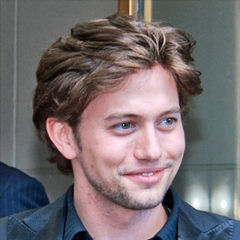 Jackson Rathbone - Bildurheber: Von gdcgraphics, CC BY-SA 2.0, https://commons.wikimedia.org/w/index.php?curid=11926820