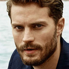 Jamie Dornan - Bildurheber: Von katmtan - https://www.flickr.com/photos/katmtan/14721512812/in/album-72157645851145194/, CC BY 2.0, https://commons.wikimedia.org/w/index.php?curid=41037006