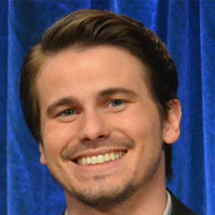 Jason Ritter - Bildurheber: Von GenevieveUploaded by MyCanon - Jason Ritter, CC BY 2.0, https://commons.wikimedia.org/w/index.php?curid=25042766