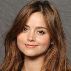 Jenna Coleman - Bildurheber: Von Florida Supercon - https://www.flickr.com/photos/floridasupercon/24236707740/, CC BY 2.0, https://commons.wikimedia.org/w/index.php?curid=46559541