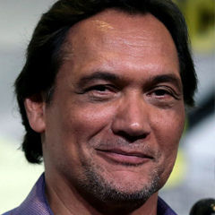 Jimmy Smits - Bildurheber: Von Gage Skidmore, CC BY-SA 3.0, https://commons.wikimedia.org/w/index.php?curid=50429291