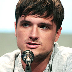 Josh Hutcherson - Bildurheber: Von Gage Skidmore - www.flickr.com/photos/gageskidmore/19469939079/in/photolist, CC-BY-SA 4.0, https://commons.wikimedia.org/w/index.php?curid=41796992