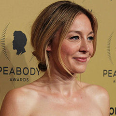 Juliet Rylance - Bildurheber: By The Peabody Awards - https://www.flickr.com/photos/peabodyawards/18415119378/in/album-72157653831641128/, CC BY 2.0, https://commons.wikimedia.org/w/index.php?curid=44095762