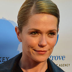 Katie Aselton - Bildurheber: Von Mingle MediaTV - https://www.flickr.com/photos/minglemediatv/16680478980, CC BY-SA 2.0, https://commons.wikimedia.org/w/index.php?curid=39570833