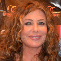 Kelly LeBrock - Bildurheber: Von Rob DiCaterino from Clifton, NJ, USA - Chiller Theatre Expo, Parsippany, NJ 10/25/14, CC BY 2.0, https://commons.wikimedia.org/w/index.php?curid=50987836
