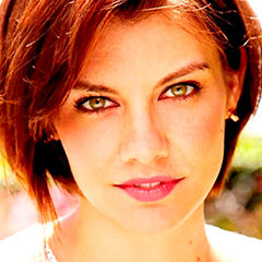 Lauren Cohan - Bildurheber: Von Simon PerryUploaded by MyCanon - Diese Datei wurde von diesem Werk abgeleitet  LaurenCohanApr2012.jpg:, CC BY-SA 3.0, https://commons.wikimedia.org/w/index.php?curid=24182252