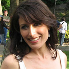 Lisa Edelstein - Bildurheber: Von Arnold Gatilao from Fremont, CA, USA - cropped from File:Lisa Edelstein @ Fox Upfronts 2007 02.jpg, CC BY 2.0, https://commons.wikimedia.org/w/index.php?curid=10132158