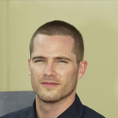 Luke Macfarlane - Bildurheber: Von alotofmillion - luke macfarlane, CC BY-SA 3.0, https://commons.wikimedia.org/w/index.php?curid=3176596