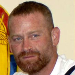 Max Martini - Bildurheber: Von U.S. Army photo by Staff Sgt. Melinda M. Johnson - http://www.defenseimagery.mil/imagery.html#guid=10d72b3848d9fe371111bdaa43522c1a308fdbd3, Gemeinfrei, https://commons.wikimedia.org/w/index.php?curid=8751449