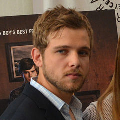 Max Thieriot - Bildurheber: By Red Carpet Report on Mingle Media TV from Culver City, USA - Cast of Bates Motel - DSC_0040, CC BY-SA 2.0, https://commons.wikimedia.org/w/index.php?curid=41561677