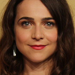 Maya Kazan - Bildurheber: By Peabody Awards - https://www.flickr.com/photos/peabodyawards/18416704439/, CC BY 2.0, https://commons.wikimedia.org/w/index.php?curid=41278333